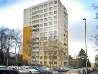 Celkový pohled na dům (Prodej bytu 3+1 v osobním vlastnictví 61 m², Praha 10 - Strašnice)
