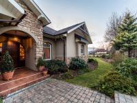 Prodej domu v osobním vlastnictví 247 m², Jevany