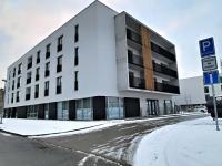 Pohled na dům (Pronájem bytu 1+kk v osobním vlastnictví 29 m², Plzeň)