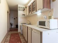 Kuchyně (Prodej bytu 3+1 v družstevním vlastnictví 60 m², Praha 4 - Kamýk)