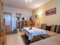 Obývací pokoj (Prodej bytu 3+1 v družstevním vlastnictví 60 m², Praha 4 - Kamýk)
