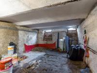 Sklep (Prodej domu v osobním vlastnictví 162 m², Brno)