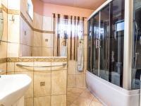 Koupelna (3+kk) (Prodej domu v osobním vlastnictví 162 m², Brno)