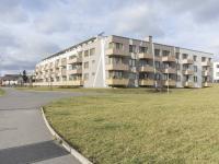 Pohled na dům (Prodej bytu 2+kk v osobním vlastnictví 48 m², Praha 9 - Hostavice)
