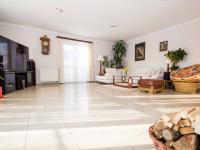 Prodej domu v osobním vlastnictví, 504 m2, Dolní Břežany