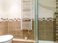 Koupelna (Prodej bytu 2+kk v osobním vlastnictví 35 m², Praha 10 - Hostivař)