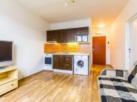 Obývací pokoj s kuchyňským koutem (Prodej bytu 2+kk v osobním vlastnictví 35 m², Praha 10 - Hostivař)