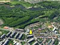 Fotomapa lokality s vyznačením polohy bytu (Prodej bytu 2+kk v osobním vlastnictví 35 m², Praha 10 - Hostivař)