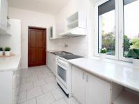 kuchyň - Prodej domu v osobním vlastnictví 285 m², Praha 8 - Dolní Chabry