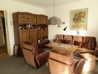 prostorný obývací pokoj (Prodej chaty / chalupy 150 m², Nové Mitrovice)