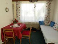 kuchyně s jídelním koutem (Prodej chaty / chalupy 150 m², Nové Mitrovice)