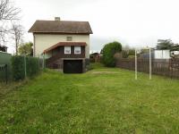 zatravněná zahrada 370 m2 (Prodej chaty / chalupy 150 m², Nové Mitrovice)