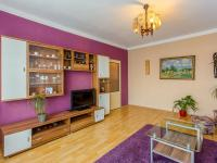 Obývací pokoj (Prodej bytu 3+1 v osobním vlastnictví 83 m², Čebín)
