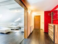 Předsíň (Prodej bytu 4+kk v osobním vlastnictví 173 m², Praha 5 - Smíchov)