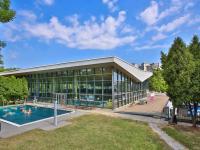 Sportovní centrum s bazénem (Prodej bytu 4+kk v osobním vlastnictví 173 m², Praha 5 - Smíchov)