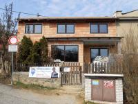 jižní průčelí po instalaci oken - Prodej domu v osobním vlastnictví 160 m², Bílovice nad Svitavou