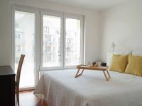 Ložnice s přístupem na balkon (Pronájem bytu 3+kk v osobním vlastnictví 80 m², Praha 9 - Čakovice)