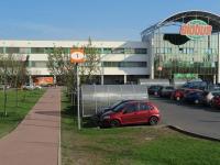 obchodní centrum, Čakovice (Pronájem bytu 3+kk v osobním vlastnictví 80 m², Praha 9 - Čakovice)