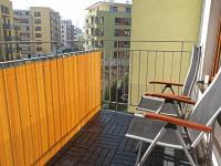 Balkon u obývacího pokoje (Pronájem bytu 3+kk v osobním vlastnictví 80 m², Praha 9 - Čakovice)