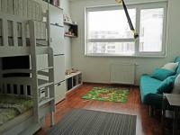 Druhá ložnice - dětský pokoj (Pronájem bytu 3+kk v osobním vlastnictví 80 m², Praha 9 - Čakovice)
