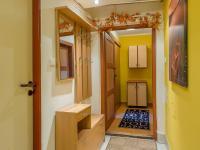 1.PP - Chodba  (Prodej domu v osobním vlastnictví 166 m², Brno)