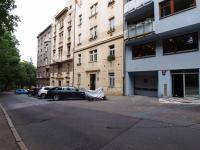 Prodej garážového stání 12 m², Praha 2 - Nusle