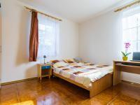 1.NP - pokoj (Prodej domu v osobním vlastnictví 129 m², Praha 4 - Šeberov)