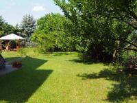 zahrada  (Prodej domu v osobním vlastnictví 150 m², Kamýk nad Vltavou)