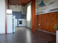 kuchyň, pohled z obýváku (Prodej domu v osobním vlastnictví 150 m², Kamýk nad Vltavou)