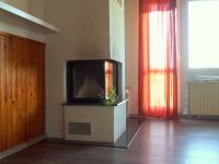 detail rohového krbu (Prodej domu v osobním vlastnictví 150 m², Kamýk nad Vltavou)
