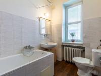 Koupelna s toaletou - Prodej bytu 1+kk v osobním vlastnictví 27 m², Praha 1 - Nové Město