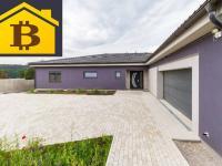 lze koupit nemovitost za BTC (Prodej domu v osobním vlastnictví 255 m², Králův Dvůr)