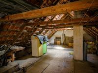 půda - Prodej domu v osobním vlastnictví 150 m², Jeneč