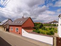 výhled z okna - Prodej domu v osobním vlastnictví 150 m², Jeneč