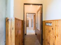 zádveří (Prodej domu v osobním vlastnictví 222 m², Suchomasty)