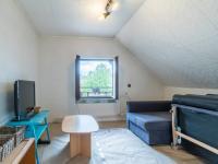 pokoj 1. patro (Prodej domu v osobním vlastnictví 222 m², Suchomasty)