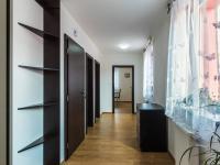 2.NP - chodba (Prodej domu v osobním vlastnictví 274 m², Úvaly)