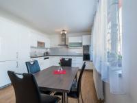 2.NP - kuchyň (Prodej domu v osobním vlastnictví 274 m², Úvaly)