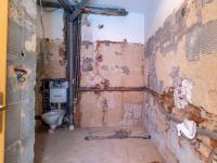 1.NP - koupelna - hotové rozvody (Prodej domu v osobním vlastnictví 274 m², Úvaly)