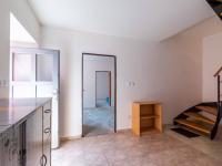 1.NP chodba (Prodej domu v osobním vlastnictví 274 m², Úvaly)