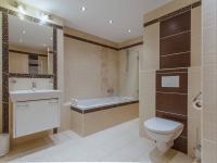 Koupelna (Prodej bytu 3+kk v osobním vlastnictví 79 m², Rosice)
