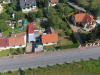 Pohled na pozemek (Prodej domu v osobním vlastnictví 80 m², Praha 9 - Běchovice)