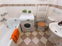 koupelna (Prodej bytu 2+kk v osobním vlastnictví 50 m², Praha 2 - Vinohrady)
