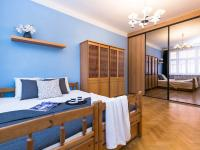 ložnice pohled od okna (Prodej bytu 2+kk v osobním vlastnictví 50 m², Praha 2 - Vinohrady)