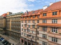 pohled z okna (Prodej bytu 2+kk v osobním vlastnictví 50 m², Praha 2 - Vinohrady)