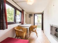 Zádveří s vytápěním kamny (Prodej chaty / chalupy 26 m², Káraný)