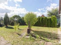 Udržovaná zahrada (Prodej chaty / chalupy 26 m², Káraný)