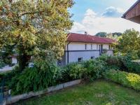 Pohled z obývacího pokoje (Prodej bytu 4+kk v osobním vlastnictví 108 m², Praha 8 - Dolní Chabry)
