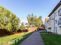 Dům s přilehlou zahradou (Prodej bytu 4+kk v osobním vlastnictví 108 m², Praha 8 - Dolní Chabry)