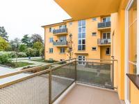 balkon - Prodej bytu 2+1 v osobním vlastnictví 75 m², Chrášťany